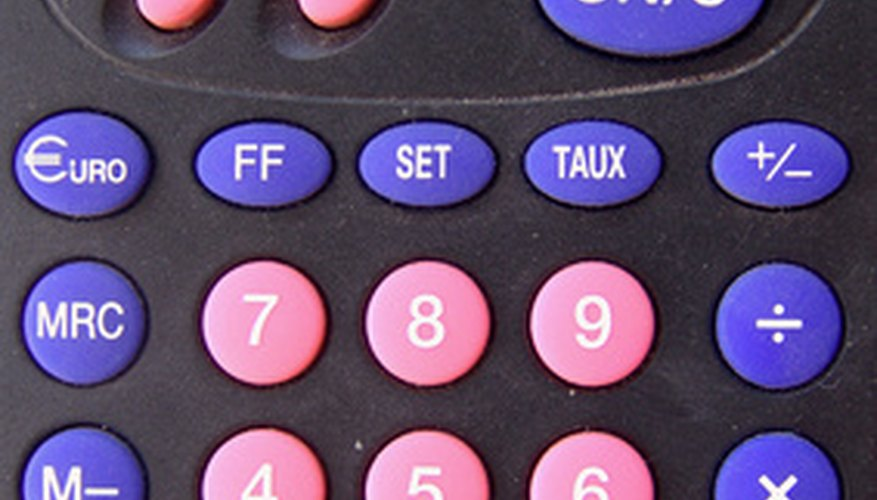 Dos tercios es un número periódico, por lo que es más fácil multiplicarlo usando una calculadora.