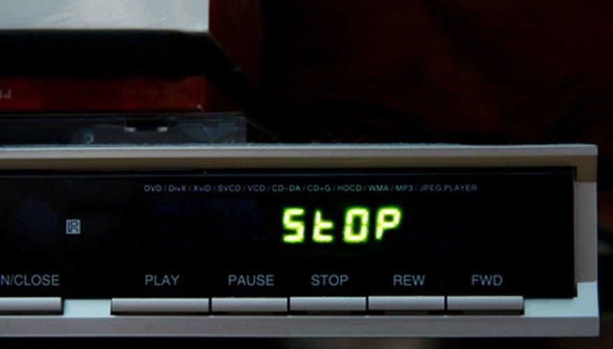 Un mando a distancia DirecTV también se puede utilizar para controlar otros equipos, tales como un reproductor de DVD.