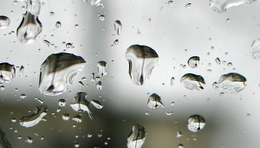 Glass is impermeable to water.