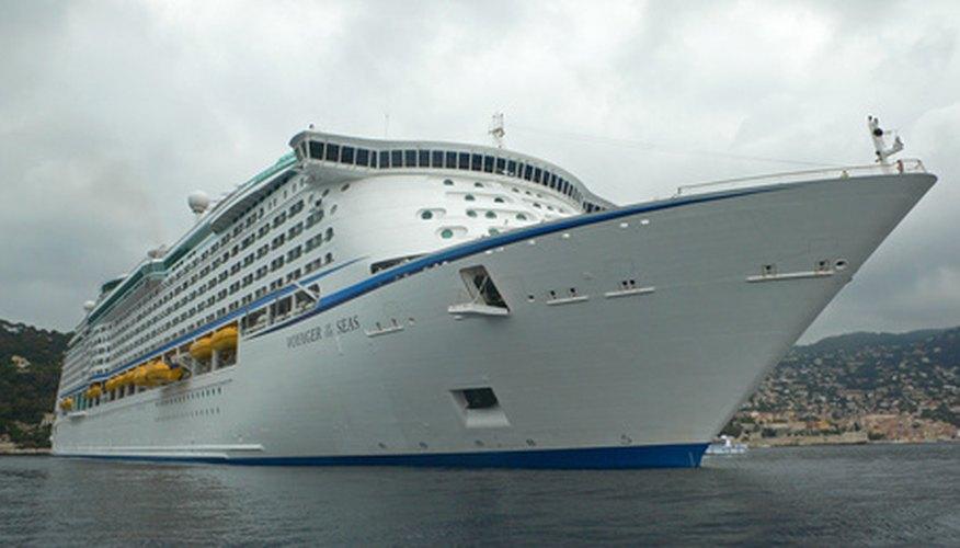 La mayoría de los cruceros transatlánticos tienen una duración aproximada de dos a cuatro semanas.