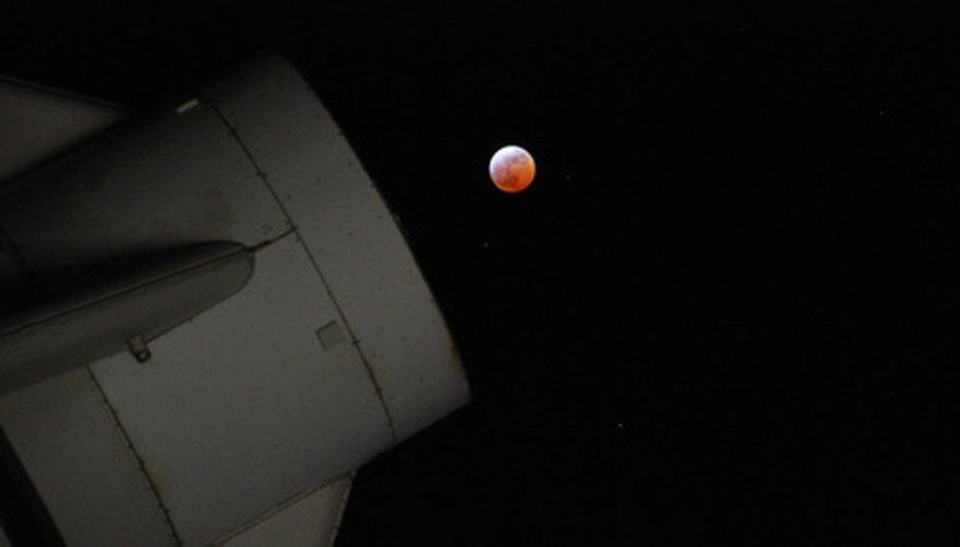 Si estás interesado en la astronomía puedes crear tu propia versión de un telescopio.