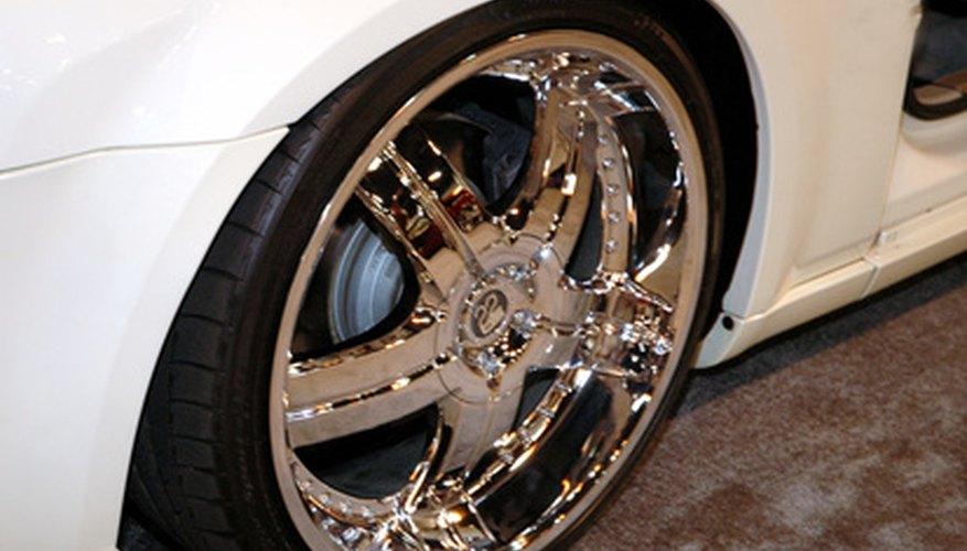 Los pernos de las ruedas deben apretarse de acuerdo con las especificaciones del fabricante.