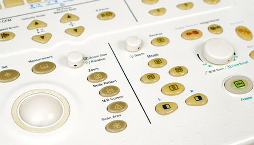 Un panel de control de ultrasonido.
