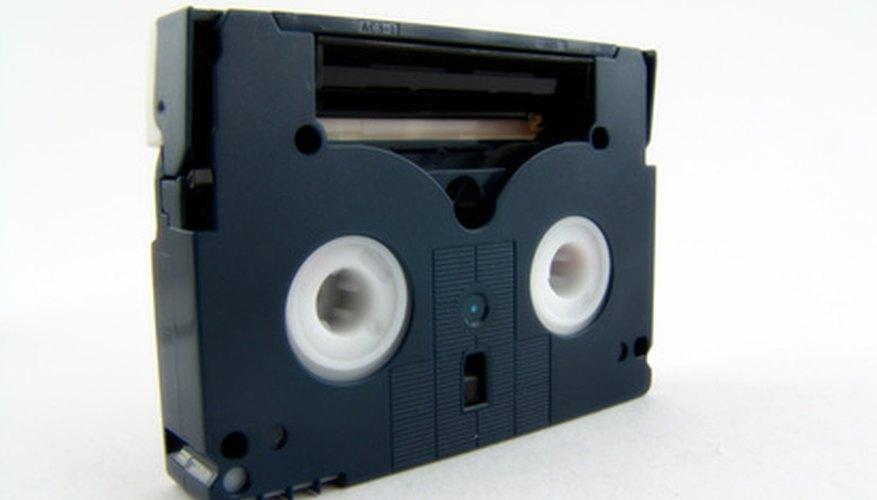 Tú puedes digitalizar cintas de video de 8 mm y transferirlas al formato DVD.