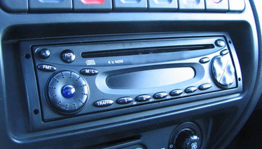 El cableado de estéreo de repuesto se adapta al auto específico durante la instalación.