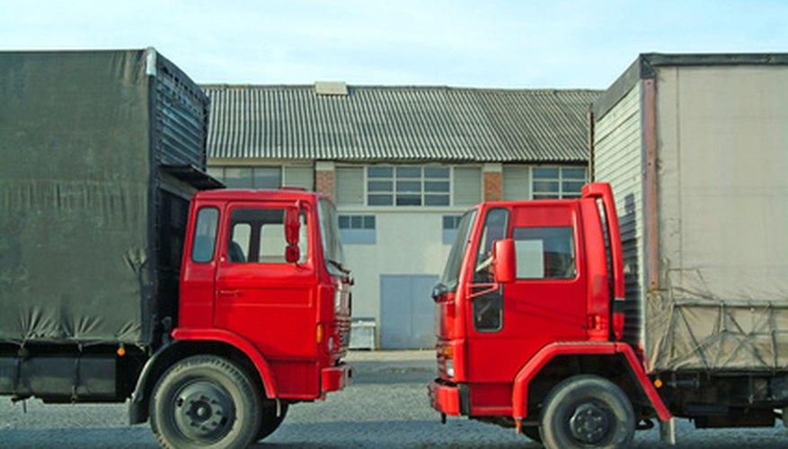 El Isuzu FTR es un camión comercial diseñado para transportar grandes cantidades de mercancía.