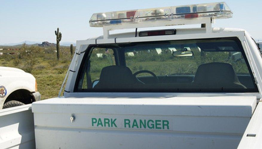 Los guardaparques utilizan camionetas Ford Ranger.