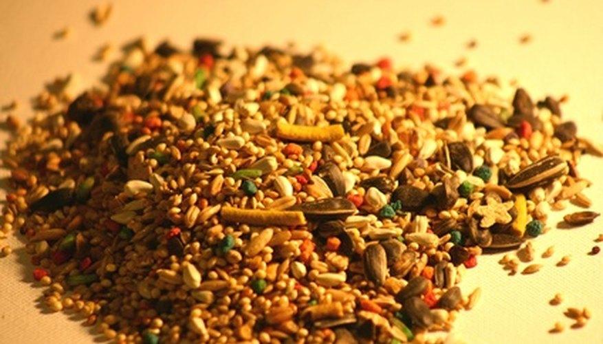 Las semillas para pájaro son una gran alternativa a las bolitas de poliestireno para relleno.