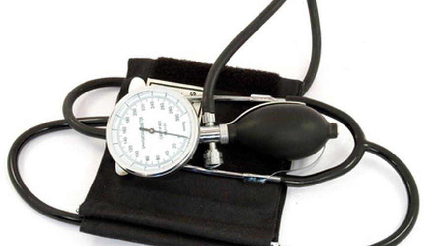 Instrucciones de cómo calibrar un esfigmomanómetro..