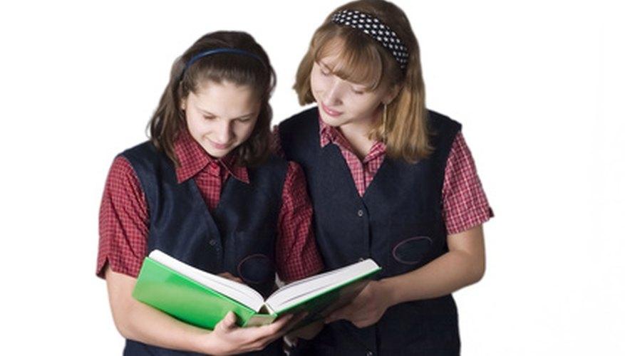 A algunos niños no les gustan los uniformes escolares.