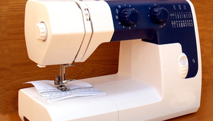 Model numbers on Singer sewing machines are easy to find.