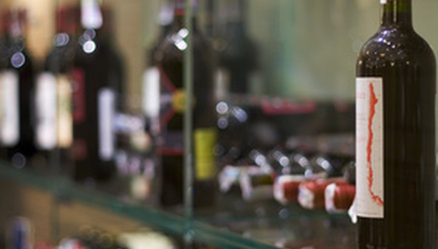 Los dueños de los bares deben guardar un inventario de sus licores.