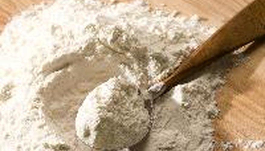 Puedes hacer arcilla con harina.