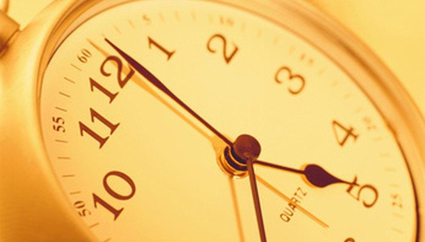 Los niños pueden divertirse y aprender a decir la hora al mismo tiempo.