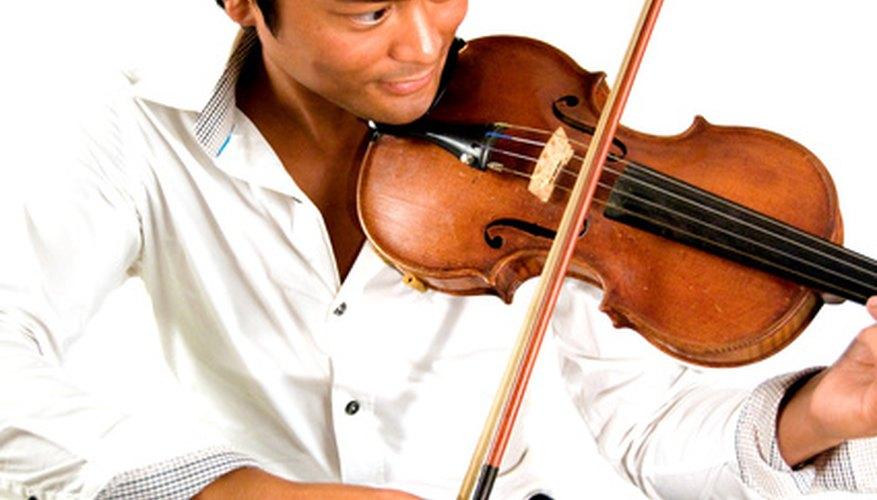 Las crines de un arco de violín deben ser reemplazadas cuando la calidad del sonido comience a disminuir.