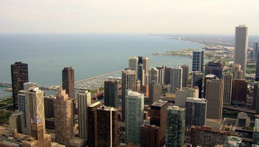 La mayoría de los horizontes de la ciudad están llenas de edificios con la sede de bancos comerciales.
