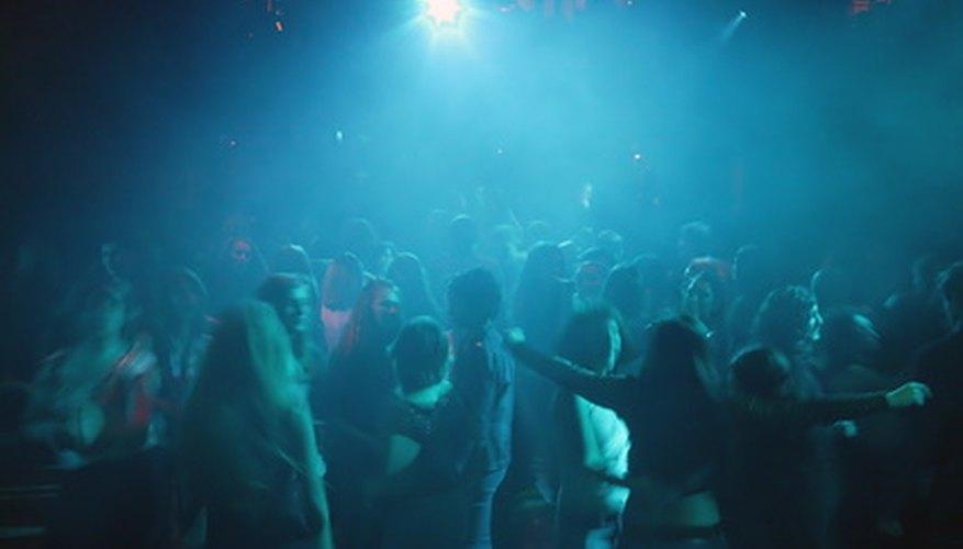 Una discoteca realmente puede ser traída a la vida con un tema de la diversión o algunas melodías nostálgicas.