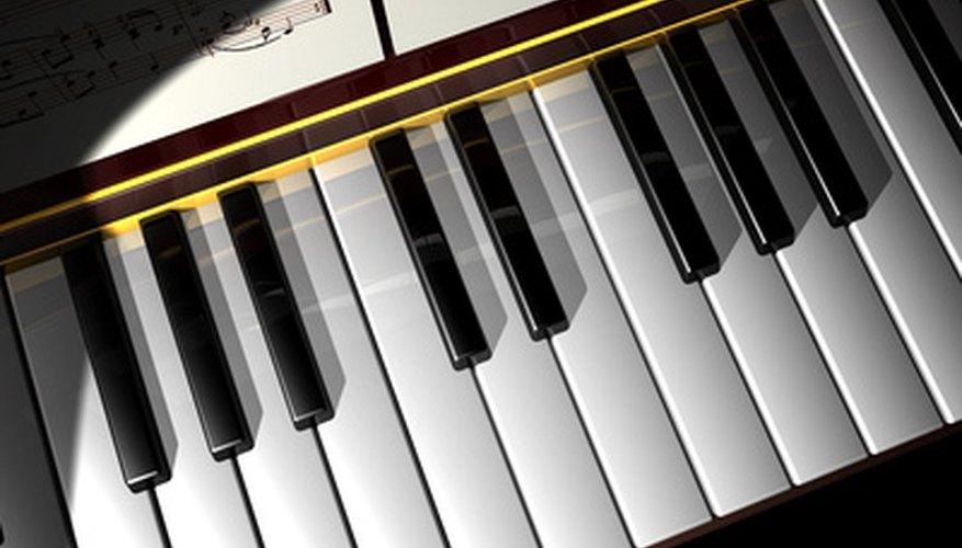 Los pequeños teclados suelen tener unas cuantas funciones, pero se pueden utilizar para tocar muchas canciones.