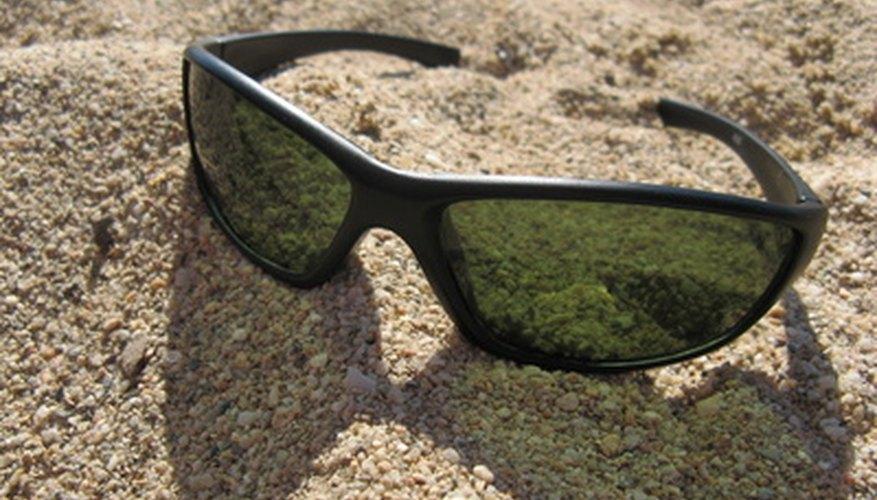 Probar la polarización en unas gafas de sol es muy importante.