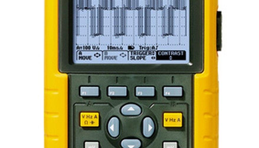 Reparar el sistema de arranque HEI requerirá algunos medidores y herramientas de mano.