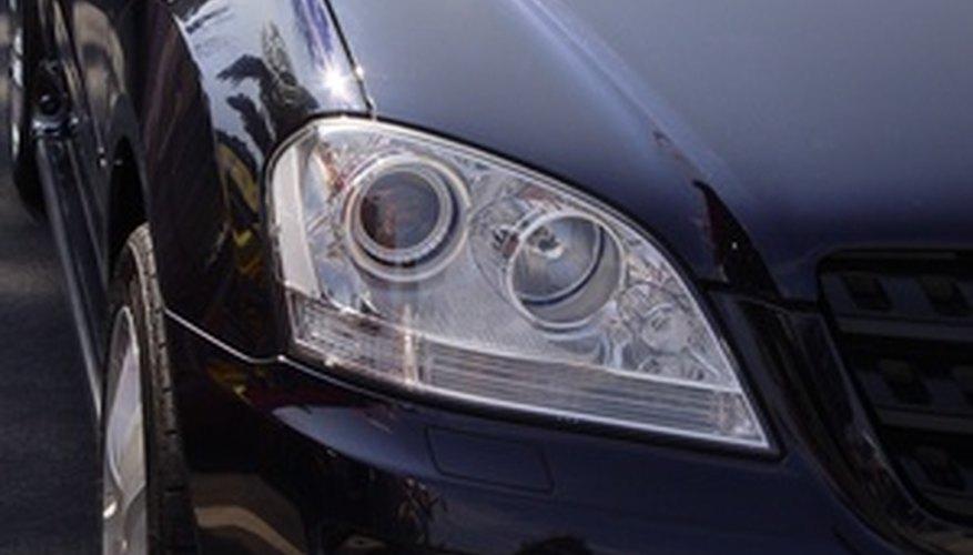 La extracción del panel de instrumentos en tu Mercedes es una de las tareas más sencillas de mantenimiento que puedes realizar.