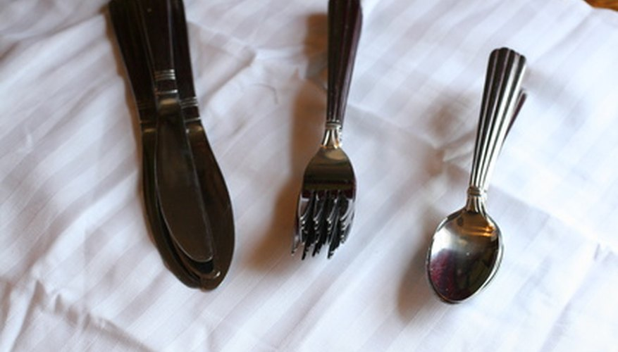 William Rogers flatware dates back as far as 1825.