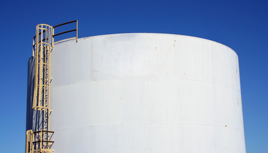A cylindrical tank