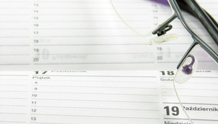 Utiliza tu calendario para confirmar la ortografía correcta de los meses.