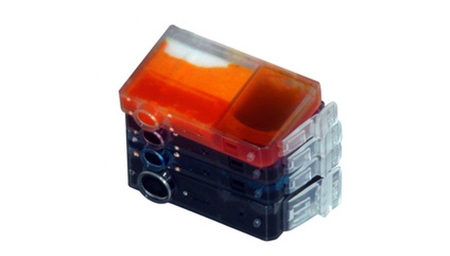 Puedes limpiar el cabezal de la impresora con un cartucho de impresora con una solución casera.