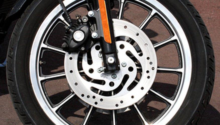 La mayoría de los ajustes de los frenos se pueden hacer con unas herramientas de mano básicas.