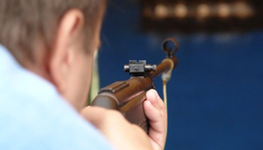 Se entrena a los guardaespaldas para utilizar las armas apropiadamente.