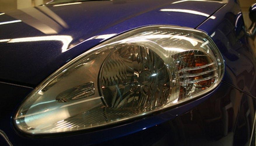 Nota el estilizado extremo frontal del Fiat Punto.