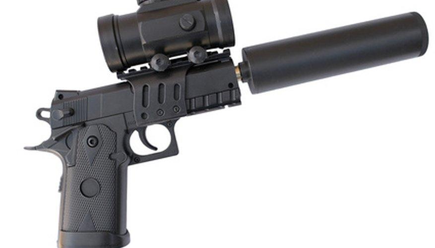 Las armas cubierta de polímero reemplazan a las antiguas armas de madera o metal.