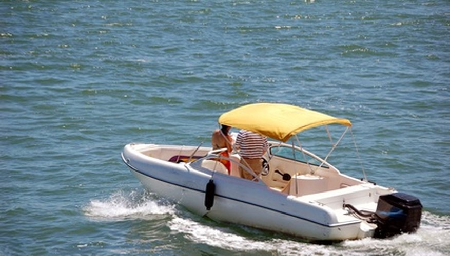 Mantén tu barca de fibra de vidrio.