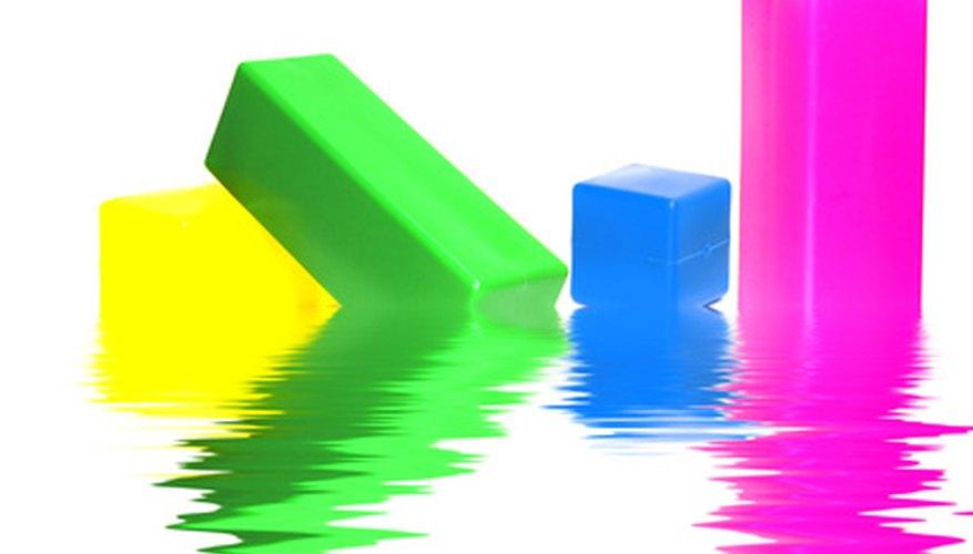 Prolonga la vida de juguetes plásticos mediante la aplicación de un sellador de capa superior.