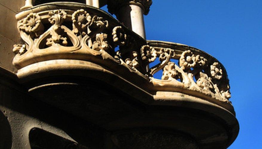Un balcón es una forma de voladizo.