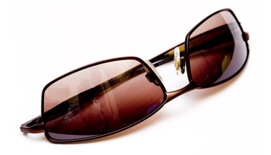 No todos las lentes polarizadas tienen que ser de color gris oscuro.