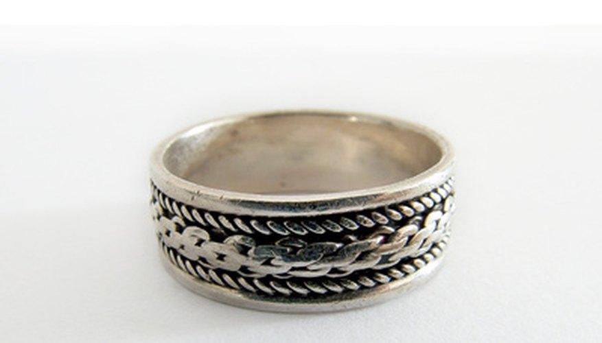 Crea un molde para tus propios anillos de oro.