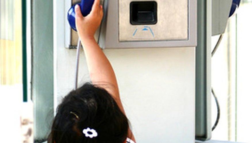 ¿Recuerdas cuando llevabas una moneda en tu cartera y tenías que pedir permiso para usar el teléfono en la escuela?