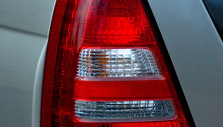 Un sensor de oxígeno defectuoso en tu Subaru podría hacer que la luz de revisión del motor se encienda.