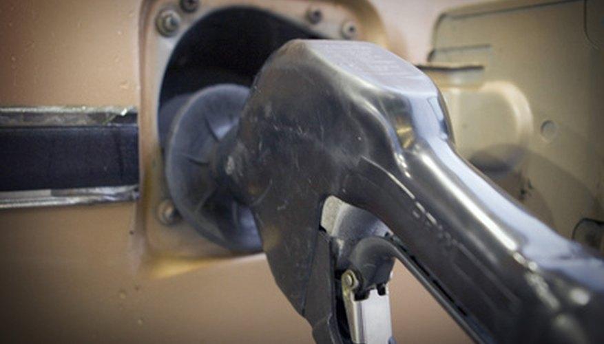Cómo vaciar el tanque de gasolina de un vehículo.