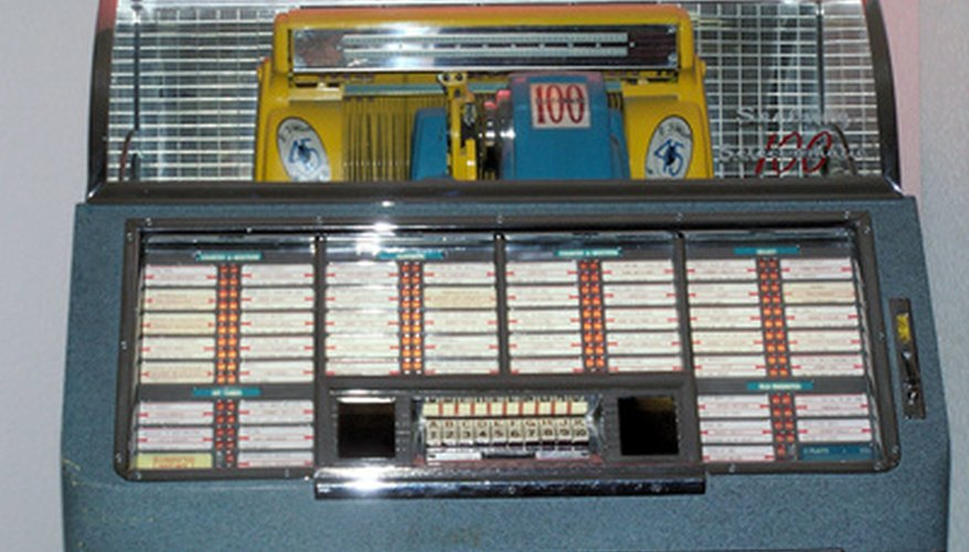 Seeberg jukeboxes held about 100 45s.