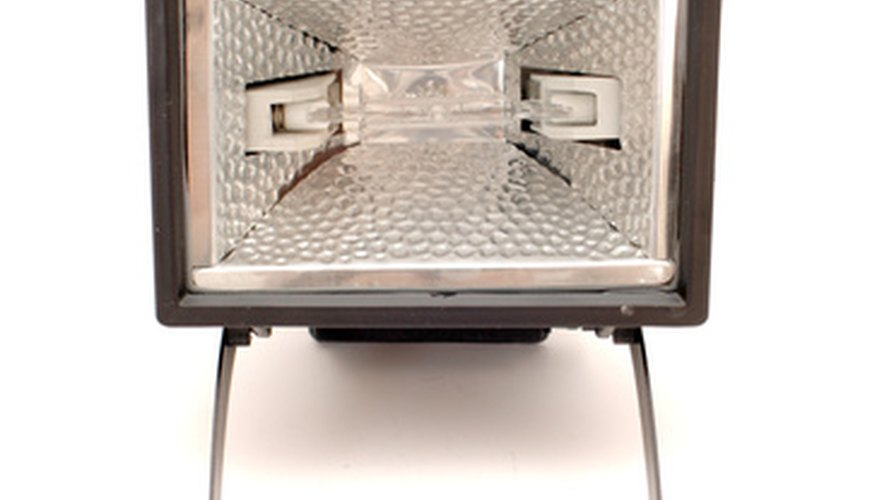 Las cocinas solares toman prestados muchos conceptos de los reflectores cóncavos de luz.