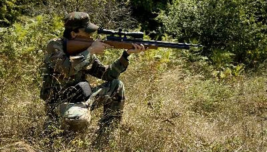 El resorte que acciona un rifle de aire es propenso a perder su tensión a medida que es usado.