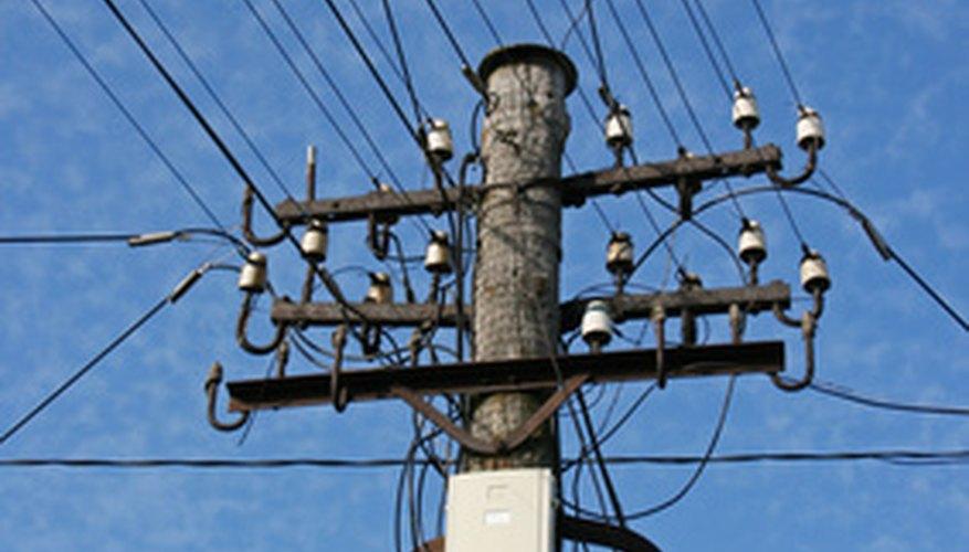 La electricidad, el agua y las comunicaciones son considerados servicios públicos.