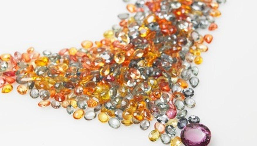Si sabes lo que estás buscando, puedes encontrar las gemas preciosas en línea.