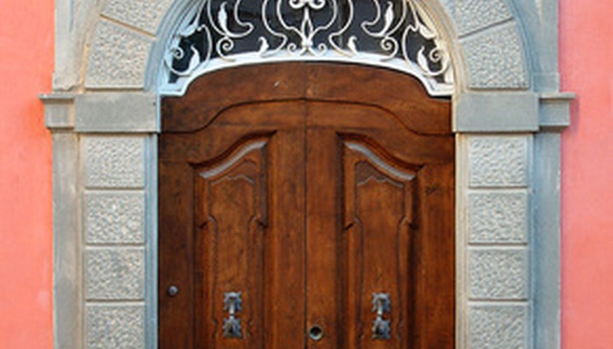 Aprende a aislar acústicamente tu puerta.