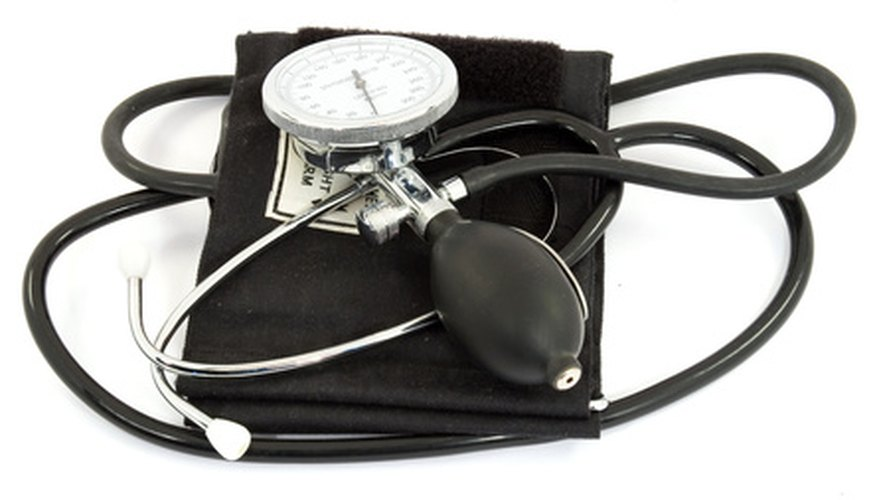 El esfigmomanómetro aneroide es el nombre científico para un accionado con aire para la presión de la sangre.