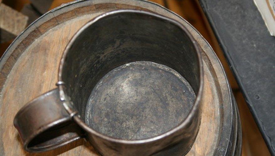 El estaño es un metal que se puede transformar en una gran variedad de formas.