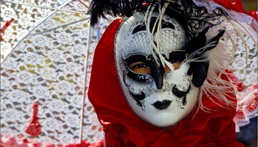 Conoce la historia de las máscaras de Pierrot.